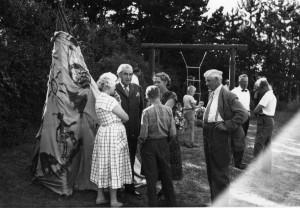 Fra venstre: Edith Ryssel, Martinus, Ole Therkelsen (11 år), Herdis Therkelsen, Kim Gerner Larsson?, Jacob Therkelsen, Erik Gerner Larsson. Arv eller miljø