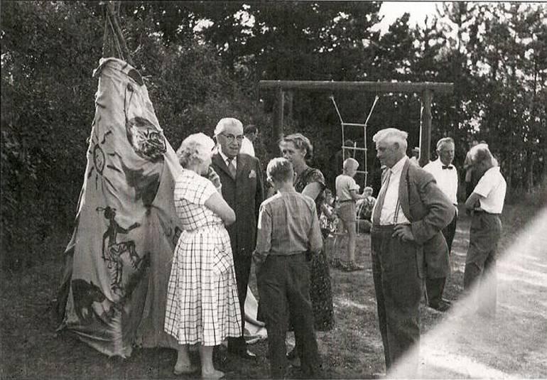 Gardenparty onsdag den 15. juli 1959 i haven ved Villa Rosenberg, Martinus Center Klint, Klintvej 69, 4500 Nykøbing Sj
