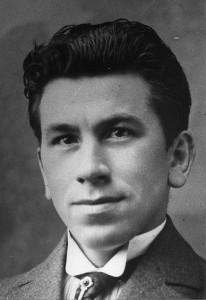 "DuHjernen hos Martinus fik en bevidsthedsudvidelse i påske 1921, Hjernen hos Martinus fik en bevidsthedsudvidelse i påske 1921, da han fik ""kosmisk bevidsthed"""