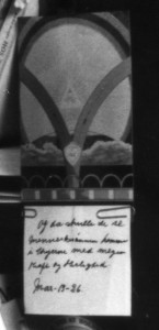 """Fra Martinus' side findes der ingen skriftlig dokumentation, men helt konkret mener jeg, at symbol nr. 23, Lyset, på forsiden af Det Tredje Testamente er opfyldelsen af profetien om """"Kristi genkomst på skyerne"""", da der på symbolet er indtegnet en Kristus-figur, der stråler over de mørke skyer, der ruger over jordkloden. I symbolforklaringen skriver Martinus ganske vist, at det drejer sig om et kristusvæsen og ikke selve Jesus Kristus. Men der findes alligevel en vis dokumentation for, at Martinus selv knyttede dette bibelcitat om Kristi genkomst til sit eget symbol. På billedet fra Martinus' arbejdsværelse ses nemlig, at han med to clips har hæftet en seddel på symbolet. På en forstørrelse kan man læse følgende tekst. """"Og de skulle se menneskesønnen komme i skyerne med megen kraft og herlighed. Mark. 13,26"""". www.martinus.dk"""