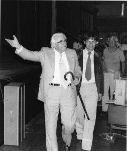 Martinus afsked den 09.08.1980 med 1.200 interesserede i Falkoner Center. Martinus, Mischa Lim og Inge Sørensen. kristendom
