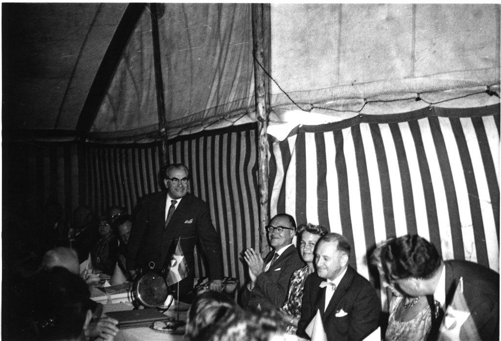 Martinus 70 år fødselsdag den 11.08.1960 fejres i Kosmos Ferieby, nu Martinus Center Klint.