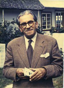 Martinus (1890-1951) med runde briller ca. 1953.. www.martinus.dk